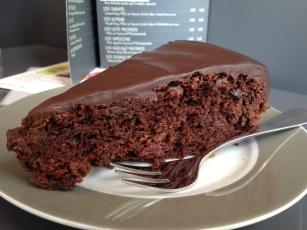 veganer Schoko-Kirsch-Kuchen